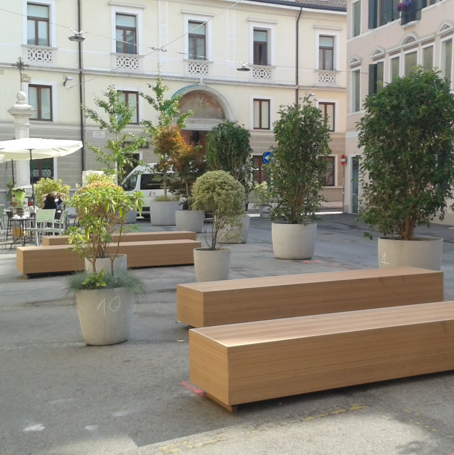 Polemica sulle panchine (4)