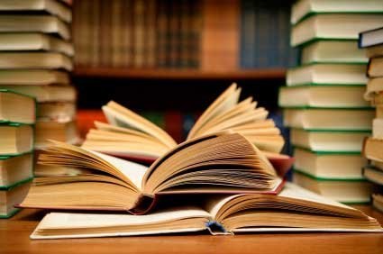 Biblioteca (immagine di repertorio)