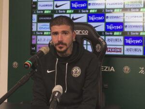 Antonio Junior Vacca in una conferenza stampa