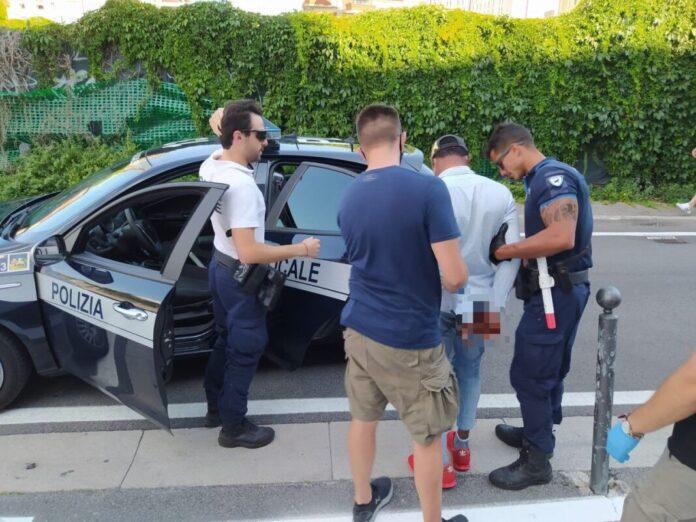 L'arresto del pusher da parte della Polizia Locale di Venezia