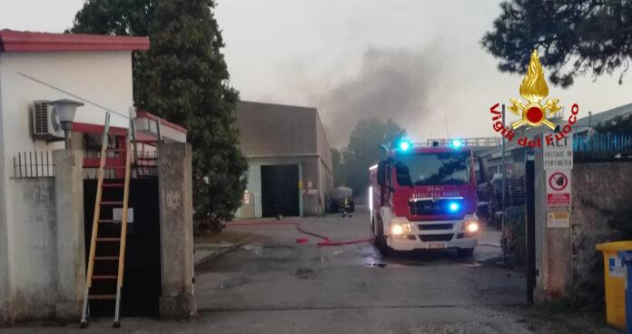 Principio d'incendio in via Borgo Pezzana
