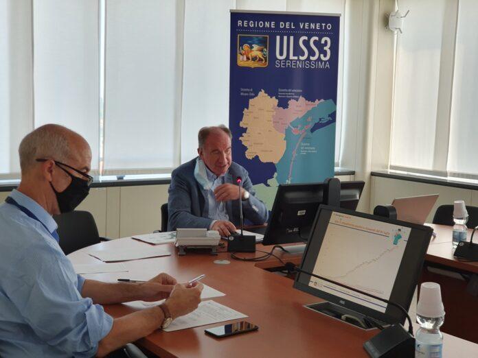 Il Direttore Generale dell'Ulss 3 Giuseppe dal Ben in conferenza stampa