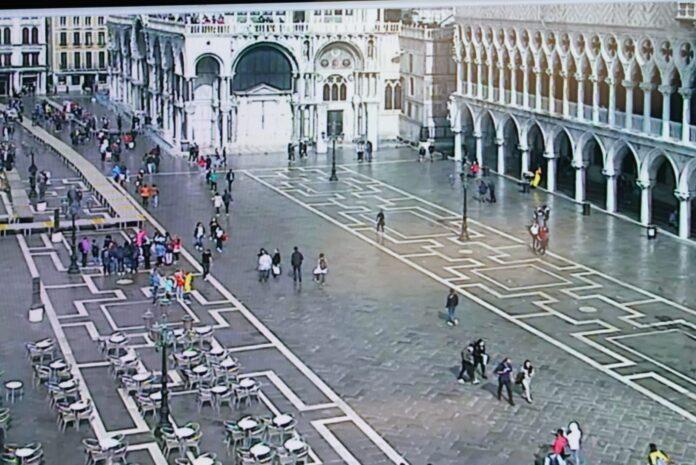 Piazza San Marco nel giorno del funzionamento del Mose