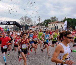 La partenza della Dogi's Half Marathon edizione 2019