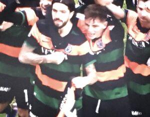 Francesco Forte ed i compagni dedicano il goal ad Antonio jr Vacca