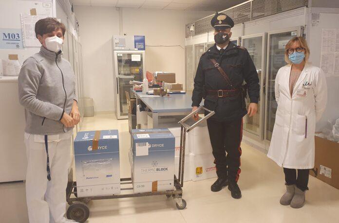 L'arrivo dei vaccini alla Farmacia dell'Ospedale dell'Angelo