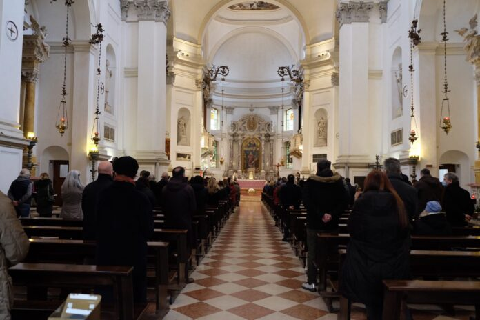 L'ultimo saluto a Giorgio Mandich nel Duomo di Mestre