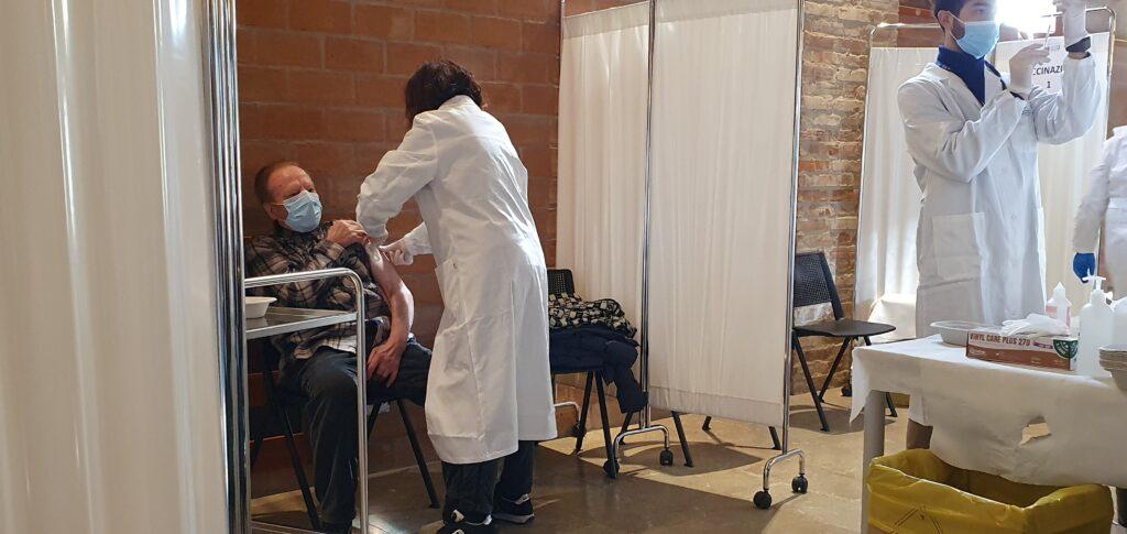 Le vaccinazioni anti-COVID in una delle sedi dell'Ulss 3 Serenissima