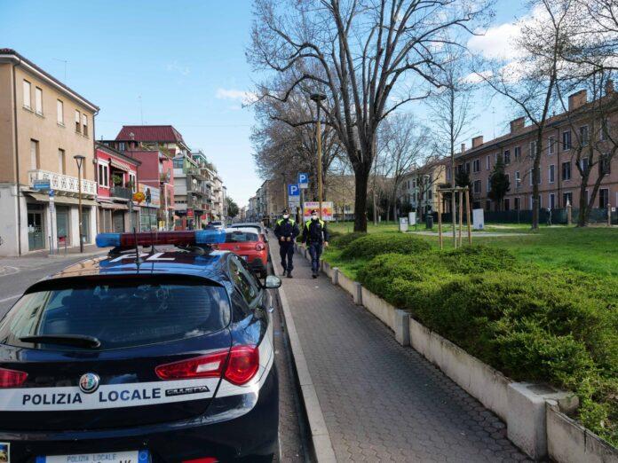 La Polizia Locale di Venezia in Via Piave a Mestre