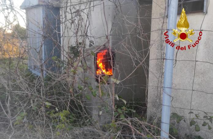La centralina elettrica in fiamme