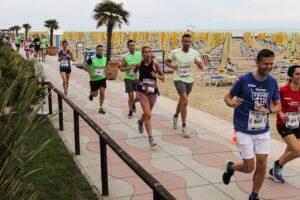 Alcuni partecipanti alla Jesolo MoonLight Half Marathon (foto d'archivio)