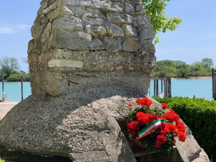 Un fortino in prossimità del porticciolo di Cortellazzo, sulla riva del fiume Piave