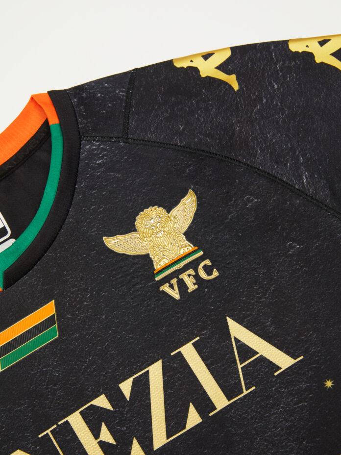 La maglia home del Venezia FC per la stagione 21/22