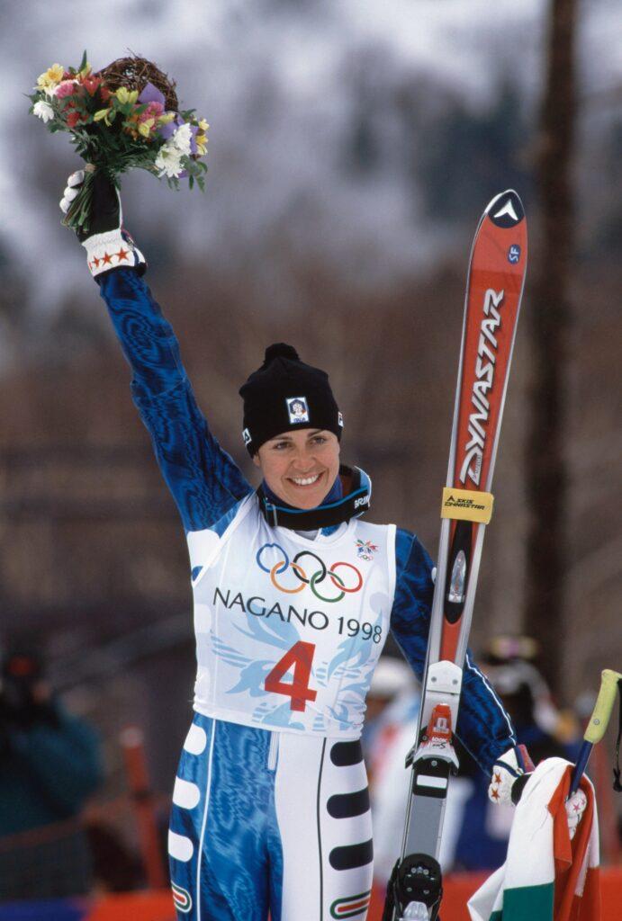 JO Hiver Nagano 1998, Ski alpin, slalom géant Femmes - Remise des bouquets. Deborah COMPAGNONI (ITA) 1e.
