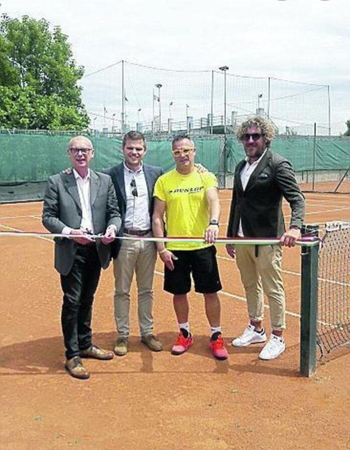 La riapertura dei campi da tennis a Mira (foto di archivio)