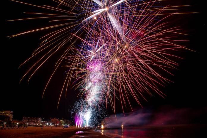Fuochi d'artificio di ferragosto a Jesolo (foto di repertorio)