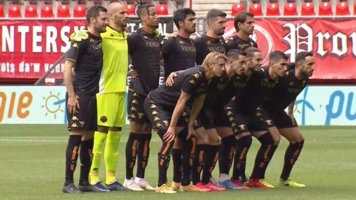 Il Venezia FC prima del match contro il Twente